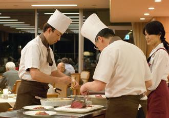 【フードサービス部】生活の楽しみとなるようなお食事をお届けします