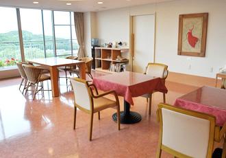 【病棟ホール】病棟にあるホールでは、レクリエーション、イベントが開催されます