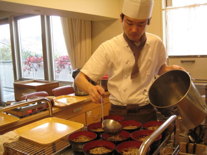 12月病棟内調理 天ぷらそば